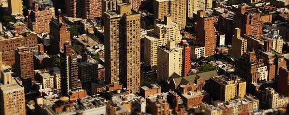Klein gegen Groß bei Immobilieninvestments