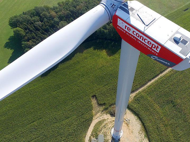 reconcept RE 14 erwirbt PV- und Windkraftanlage